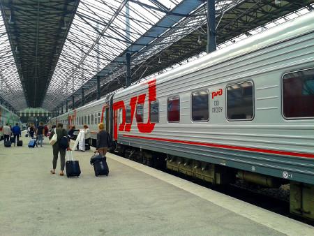 """Поезд Москва - Хельсинки """"Лев Толстой"""" на вокзале в Хельсинки"""